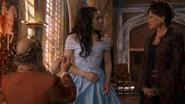 1x18 Roi Leopold dos jeune Reine Regina Cora demande en mariage fiançailles acceptées décision approbation mini