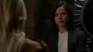 4x05 Emma Swan dos Regina Mills discussion caveau réconciliations