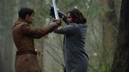 7x22 Sir Henry Regina Mills épées affrontement