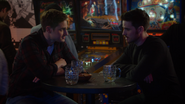 7x15 Flynn's Barcade verres Rogers table discussion