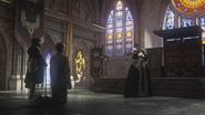 4x21 Grincheux Isaac Heller Méchante Reine Blanche-Neige trône royal arrivée entrée