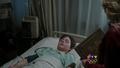 Shot 1x22 Henry Krankenbett