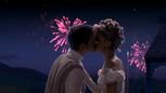 1x04 Prince Thomas Ella Cendrillon baiser mariage feu d'artifice.png