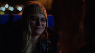7x14 Margot sourire question nuit Hyperion Heights