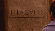5x13 Hercule tombe pierre tombale
