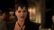 1x01 Reine Regina Méchante Reine détruire bonheur