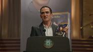 4x21 Isaac Heller conférence de presse présentation convention événement promotionnel livre de contes roman projet Heroes and Villains