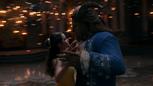 La Belle et la Bête film Disney 2017 fin tour porté danse valse lumières Histoire Éternelle mini.png