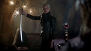 5x03 Sabre éveil M. Gold Emma Swan ténébreuse Excalibur
