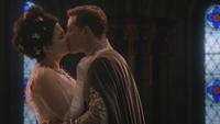 3x10 Blanche-Neige Prince Charmant baiser Palais royal lune de miel