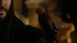 6x05 Jafar épaule oiseau rouge oracle Iago mini.png