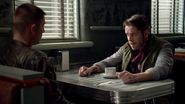 4x08 Robin (Storybrooke) Will Scarlet retrouvailles discussion amour Café Mère-Grand