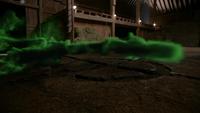 Zelena poussière verte sol hangar portail temporel 3x20