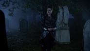 6x10 Reine Regina Sérum cimetière de Storybrooke tombe Robin des Bois
