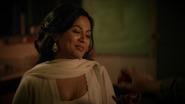6x04 Shirin Jasmine Mary Margaret Blanchard main cadeau pomme tradition sourire soir