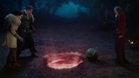 4x16 La Licorne portail ouvert bébé Maléfique Lilith Apprenti Sorcier Blanche-Neige Prince David Charmant