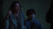 1x08 Baelfire Rumplestiltskin confrontation Duc fuite