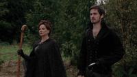 2x09 Killian Jones Crochet Cora charme de protection Sort noir