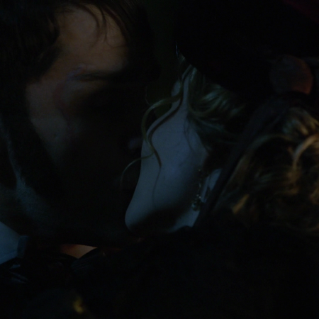 6x04 baiser embrassade Mr Hyde Mary angleterre victorienne nuit.png