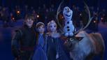 La Reine des Neiges – Joyeuses Fêtes avec Olaf 2017 Kristoff Anna Elsa Sven Olaf nuit de Noël séquence chanson fin.png