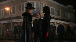 Regina_vs._Zelena_-_Once_Upon_A_Time