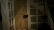 5x02 porte sous-sol présentation maison Swan