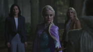 4x05 Regina Mills Elsa intervention Emma Swan Reine des Neiges