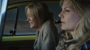 1x04 Voiture jaune Emma Ashley contractions