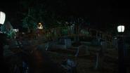 7x03 entrée cimetière Hyperion Heights tombes pierres tombales