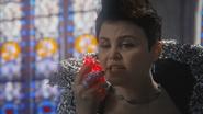 4x21 Méchante Reine Blanche-Neige pouvoirs magiques magie contrôle cœurs enchantés