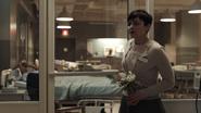1x01 Mary Margaret bénévole hopital fleurs