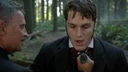 6x04 meurtre dague du Ténébreux Mr Hyde poitrine M. Gold forêt de Storybrooke