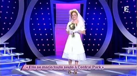 Elle se marie toute seule à Central Park