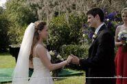 Naley-Wedding-one-tree-hill-1514617-800-533