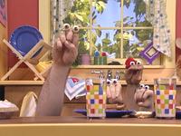 Oobi-Pretend-Circus-lunch