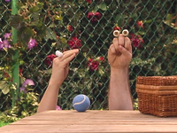 Oobi-New-Friend-at-the-park