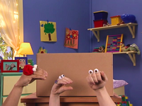 Oobi-Showtime-making-the-stage