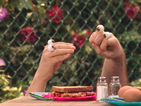 Oobi-New-Friend-time-for-lunch