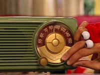 Oobi-Sing-Kako-with-the-radio