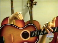 Oobi-shorts-Guitar-Kako-tries