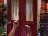 Oobi-Kako-Dinner-at-the-door