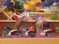 Oobi-Uma's-Birthday-cake-game