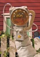 Oobi-astronaut-costume