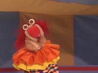 Oobi-Pretend-Circus-Grampu-clown