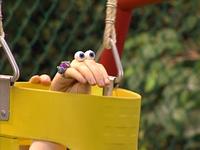Oobi-Uma-Swing-Oobi-pushing-Uma