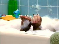 Oobi-shorts-Bubble-Bath-best-friends
