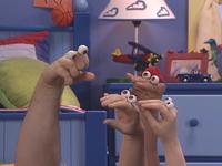 Oobi-Pretend-Circus-Grampu-explaining