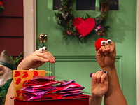 Oobi-Valentine-Uma-hugs-Kako