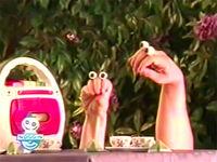 Oobi-shorts-Tea-teapot-song