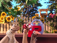 Oobi-Uma-Chicken-the-three-animals
